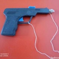 Brinquedos antigos: PISTOLA AGENTE ESPECIAL F.B.I. (13 CM) LANZA CORCHO.BULLYCAN 70S.SIN USO.. Lote 264505779