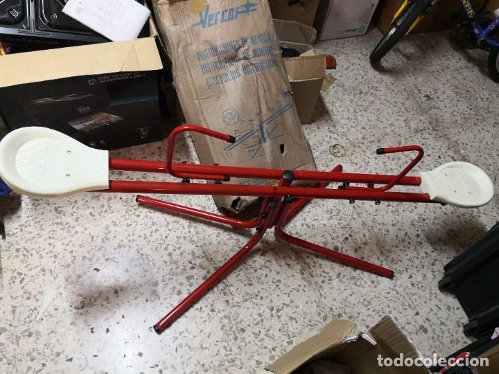 Juguetes antiguos: Antiguo juguete marca española VERCOR REFERENCIA: 302 COLUMPIO METAL.. SIN USO CONSERVA SU CAJA - Foto 2 - 265859654