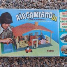Juguetes antiguos: AIRGAMLANDIA. MINI CASITA. AIRGAM. FABRICANTE AIRGAMBOYS. FALTA UN PERSONAJE.. Lote 272457583