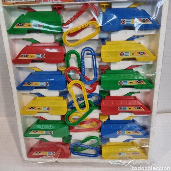 Juguetes antiguos: Bonito y colorido expositor LANZADOR ESPACIAL ARTEC no bootleg - Foto 3 - 282976808