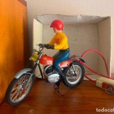 Juguetes antiguos: MOTO MONTESA COTA 247 CLIM ELECTRICA CONDUCIDA. Lote 295735253