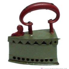 Juguetes antiguos de hojalata: PLANCHA GRANDE RICO HOJALATA AÑOS 40. Lote 4783974