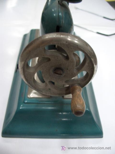 Juguetes antiguos de hojalata: ANTIGUA MÁQUINA DE COSER DE JUGUETE ALEMANA - Foto 3 - 27256653