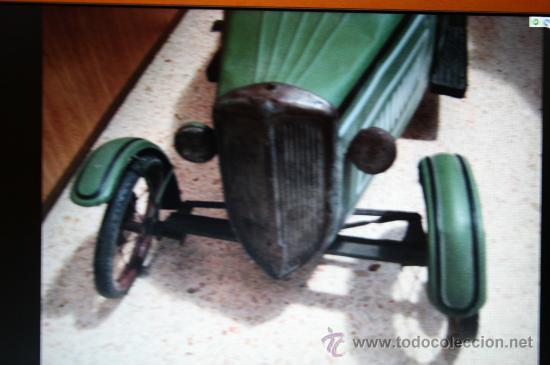 Juguetes antiguos de hojalata: ANTIGUO COCHE DE HOJALATA A PEDALES - Foto 3 - 12384171