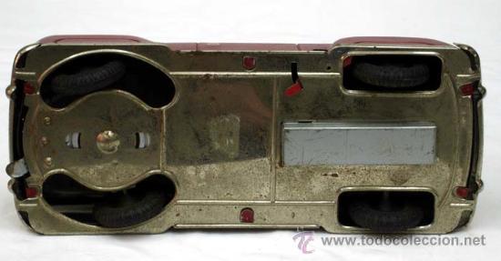 Juguetes antiguos de hojalata: Coche mecanico hojalata Distler alemania años 50 Funciona - Foto 3 - 13598414