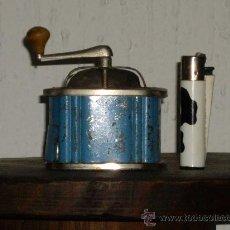 Juguetes antiguos de hojalata: MOLINILLO DE CAFE. Lote 26757981