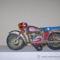 Juguetes antiguos de hojalata: MOTO ESPAÑOLA AÑOS 50. Lote 24691942