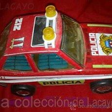 Juguetes antiguos de hojalata: COCHE DE HOJALATA OBERTOYS MADE IN SPAIN ANTIGUO. Lote 18501001