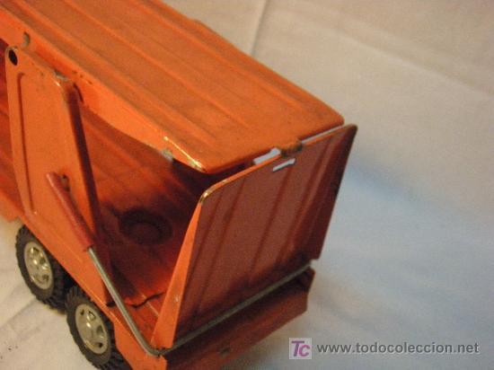 Juguetes antiguos de hojalata: CAMION TRAILER DE HOJALATA DE GOZAN DE LOS AÑOS 70 - Foto 2 - 26758400