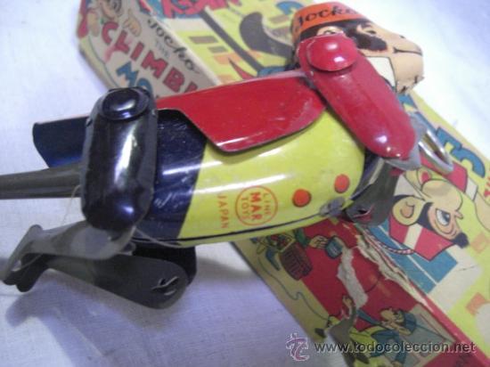 Juguetes antiguos de hojalata: Mono que sube la cuerda. Jocko Then Clim Bing Monkey. Juguete japonés. Line Mark Toys Japan - Foto 5 - 27564907