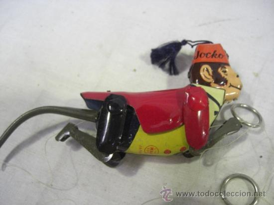 Juguetes antiguos de hojalata: Mono que sube la cuerda. Jocko Then Clim Bing Monkey. Juguete japonés. Line Mark Toys Japan - Foto 6 - 27564907