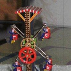 Juguetes antiguos de hojalata: NORIA DE HOJALATA. Lote 24835074