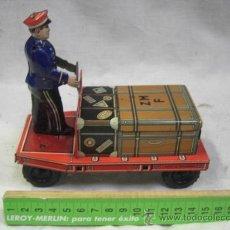 Juguetes antiguos de hojalata: JUGUETE ALEMAN. MADE IN U.S. ZONE GERMANY. CARRETILLA DE ARRASTRE.. Lote 128399072
