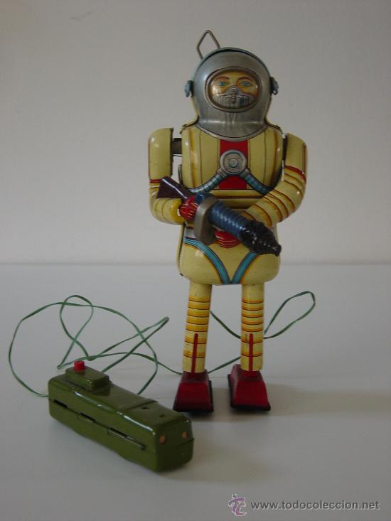 ROBOTS: ROBOT DE HOJALATA JAPONES 1957 TIN TOY-A PILAS-FUNCIONA-TODO ORIGINAL (Juguetes - Juguetes Antiguos de Hojalata Extranjeros)