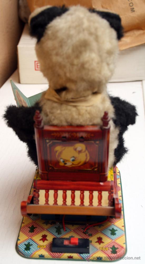 Juguetes antiguos de hojalata: JUGUETE OSO OSITO , MECEDORA O VALANCE, MADE IN JAPAN ,JAPON, ELECTRICO PILA PETACA, ORIGINAL. - Foto 3 - 27069477