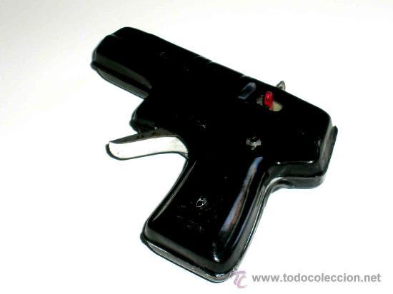 Juguetes antiguos de hojalata: Pistola fabricada en lata, desconozco fabricante, posiblemente Jyesa, original años 50. Funciona. - Foto 2 - 28011159