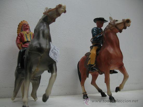Juguetes antiguos de hojalata: INDIOS Y VAQUEROS, UN VAQUERO Y SU CABALLO CON UN INDIO Y SU CABALLO - Foto 7 - 29679491