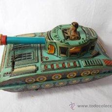 Juguetes antiguos de hojalata: TANQUE HOJALATA. A PILAS. DE RIMA. AÑOS 60. TAMAÑO MEDIANO. Lote 30741495