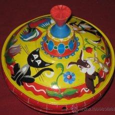 Juguetes antiguos de hojalata: JUGUETE DE HOJALATA ALEMAN DE LOS AÑOS 60 - PLATILLO VOLANTE . Lote 33112543