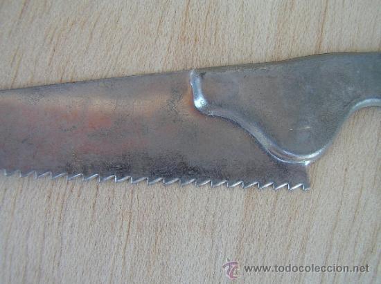 Juguetes antiguos de hojalata: simpático serrucho de hojalata. Juguete antiguo. - Foto 2 - 33394792