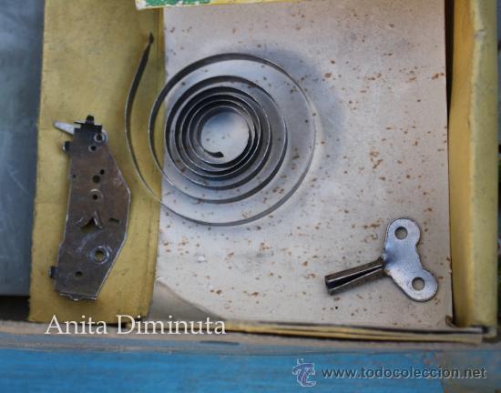 Juguetes antiguos de hojalata: ANTIGUO CIRCUITO EN HOJALATA - CIRCUIT AUTOMATIC LUXE - JOUETS GEM FRANCE - AÑO 1955 - CON 3 COCHES - Foto 4 - 36806811
