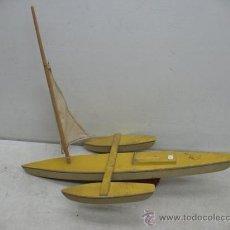 Juguetes antiguos de hojalata: DENIA - ANTIGUO BARCO O VELERO DE MADERA. Lote 37307538