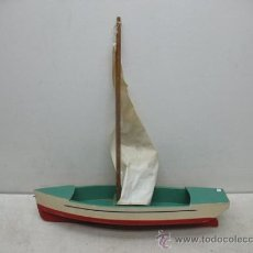 Juguetes antiguos de hojalata: DENIA - ANTIGUO BARCO O VELERO DE MADERA. Lote 37307875