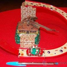 Juguetes antiguos de hojalata: CIRCUITO SEMICIRCULAR, DE HOJALATA.. Lote 37305082