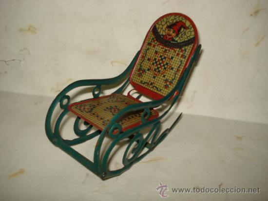 Juguetes antiguos de hojalata: Antigua Mecedora en Hojalata Litografiada de Buen Tamaño de PICÓ Ibi Año 1930s. - Foto 4 - 37780303