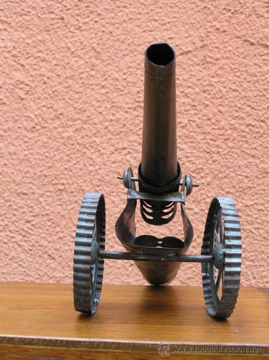 Juguetes antiguos de hojalata: CAÑÓN DE JUGUETE . Alrededor de 1900. Pieza de coleccionista. - Foto 2 - 37976009