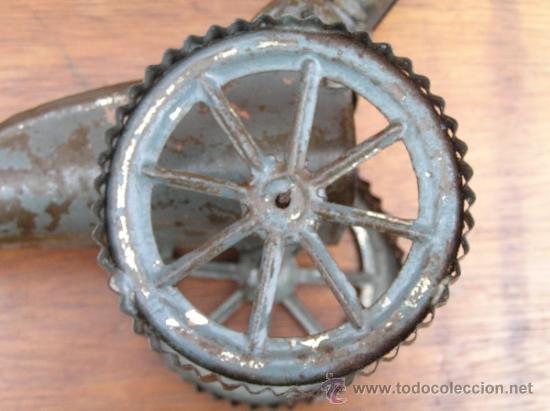 Juguetes antiguos de hojalata: CAÑÓN DE JUGUETE . Alrededor de 1900. Pieza de coleccionista. - Foto 14 - 37976009
