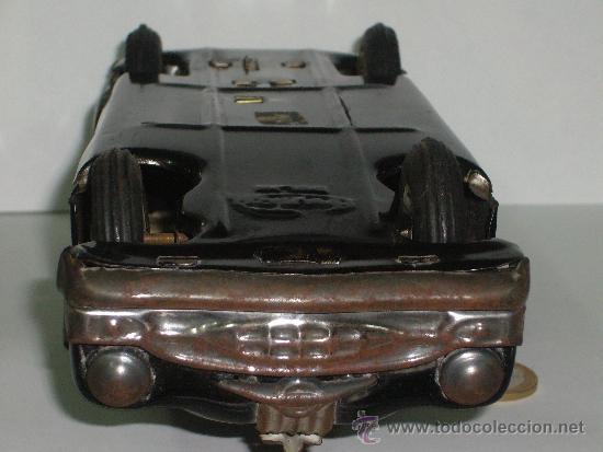 Juguetes antiguos de hojalata: Auto de Hojalata Sedán de AmarToy Delhi - Foto 5 - 39091937