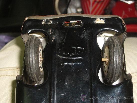 Juguetes antiguos de hojalata: Auto de Hojalata Sedán de AmarToy Delhi - Foto 7 - 39091937