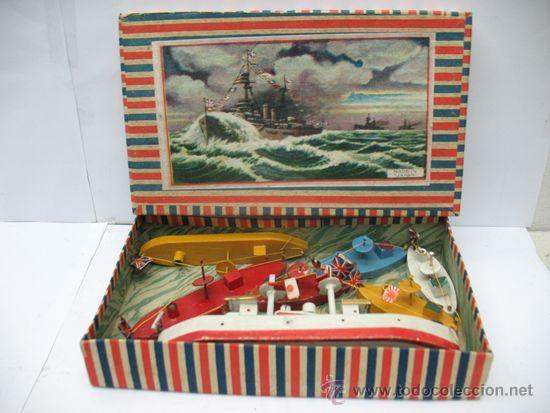 ANTIGUO JUEGO DE BARCOS DE MADERA JAPONES AÑOS 50 (Juguetes - Juguetes Antiguos de Hojalata Extranjeros)