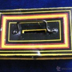 Juguetes antiguos de hojalata: ANTIGUA HUCHA DE HOJALATA.12 X 5 X 7 CM.. Lote 106557726
