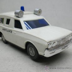 Juguetes antiguos de hojalata: AMBULANCE CAR,CON MECANISMO A PILAS,MADE IN JAPAN. Lote 40501337