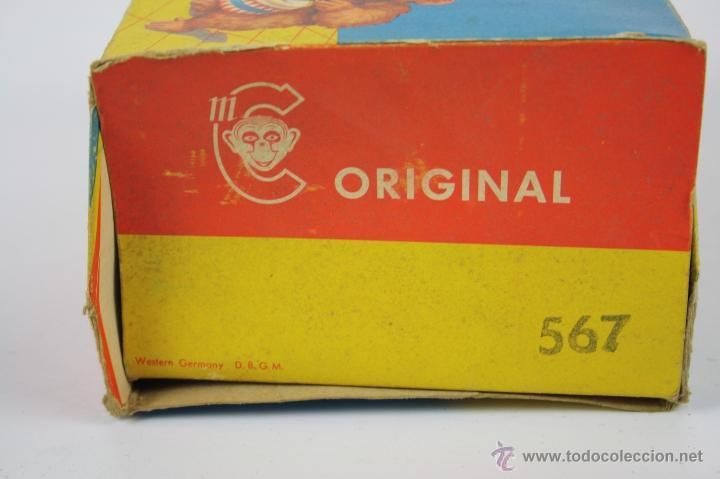 Juguetes antiguos de hojalata: JUGUETE DE HOJALATA - OSO CON PLATILLOS - WESTERN GERMANY D.B.G.M. - ORIGINAL 567 - Foto 7 - 40724237