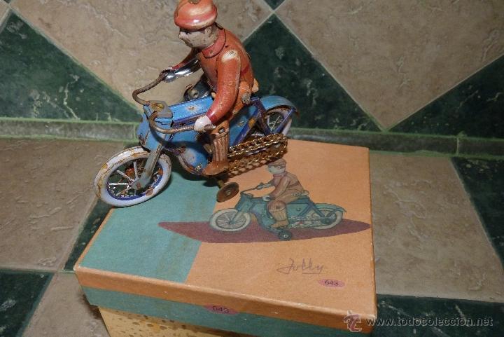 Juguetes antiguos de hojalata: JUGUETE DE HOJALATA, MOTORISTA - Foto 2 - 42423911