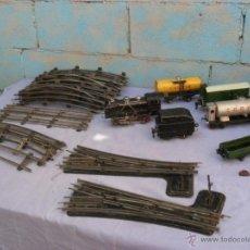Juguetes antiguos de hojalata: TREN RICO 1000,LOCOMOTORA VAGONES,VIAS ...... Lote 41708423