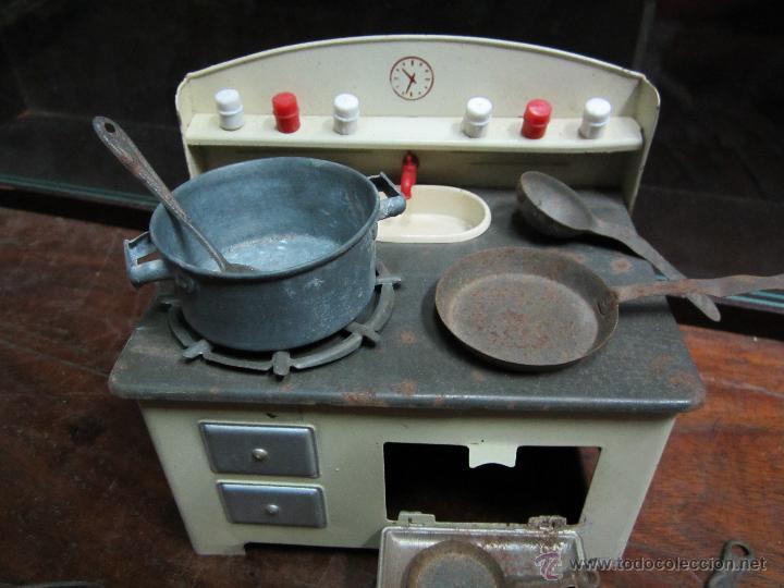 Juguetes antiguos de hojalata: fantastica cocina de rico años 40 o 50 con muchos piezas - Foto 2 - 41817758