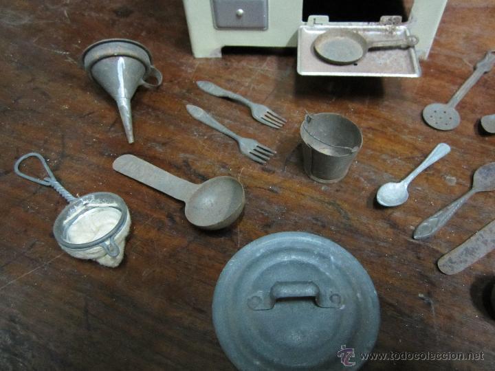 Juguetes antiguos de hojalata: fantastica cocina de rico años 40 o 50 con muchos piezas - Foto 4 - 41817758