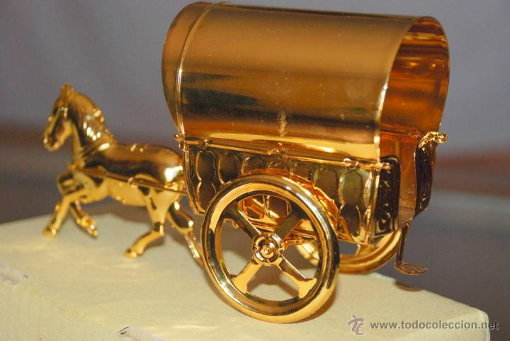 Juguetes antiguos de hojalata: RARA TARTANA CON CABALLO BAÑO ORO REF. 247 PAYA 100 UNIDADES EVENTO - Foto 4 - 41857800