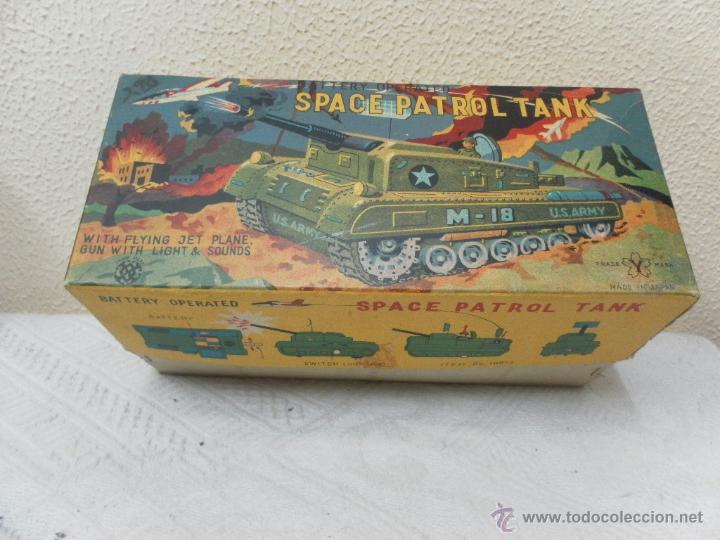 Juguetes antiguos de hojalata: Japan. Tanque. Space Patrol Tank. U.S. Army M-18. Juguete fabricado en Japón. - Foto 13 - 42853986