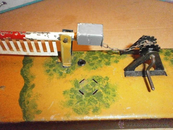Juguetes antiguos de hojalata: juguete antiguo de chapa hojalata accesorio de tren - Foto 2 - 42938421