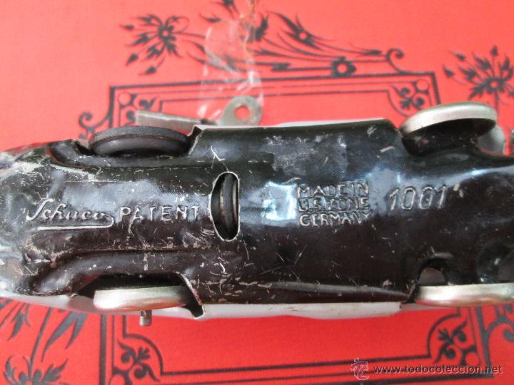 Juguetes antiguos de hojalata: ANTIGUO Y ORIGINAL COCHE ALEMÁN DE LATA SCHUCO 1001 Made in US Zone GERMANY - AÑOS 40 - 50 - Foto 19 - 43658085