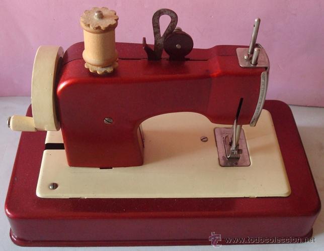 Juguetes antiguos de hojalata: ANTIGUA MÁQUINA DE COSER EN METAL MARCA CASIGE ALEMANA - Foto 5 - 43748111