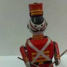 Juguetes antiguos de hojalata - SOLDADO CON TAMBOR ( HOJALATA FUNCIONAMIENTO A CUERDA ) - 44727763