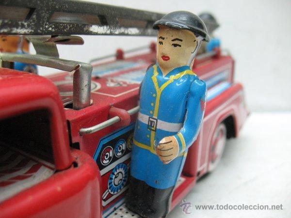 Juguetes antiguos de hojalata: Fire Truck - Antiguo camión de bomberos fabricado en China - Foto 6 - 44893560