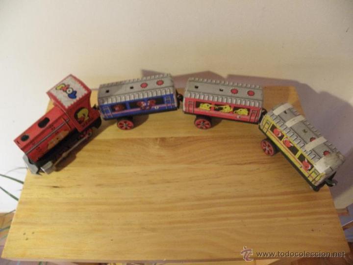 Juguetes antiguos de hojalata: Tren de hojalata con 3 vagones - Foto 3 - 45210992