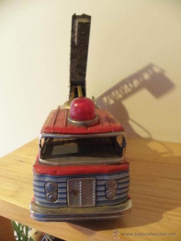 Juguetes antiguos de hojalata: Camión de Bomberos con timbre de hojalata - Made in Japan - Foto 2 - 45211407